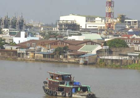 Dong Nai River, pollution, affects 11 provinces, cities