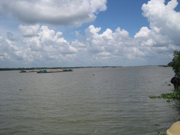 Mekong Delta short of freshwater as authorities lack funds