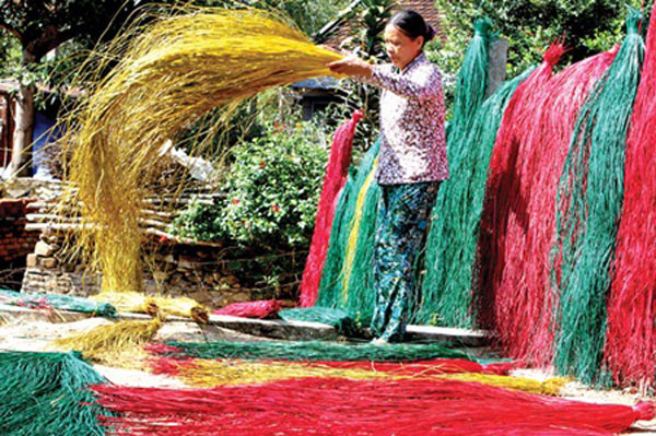 Over 5,000 craft villages in Vietnam need help