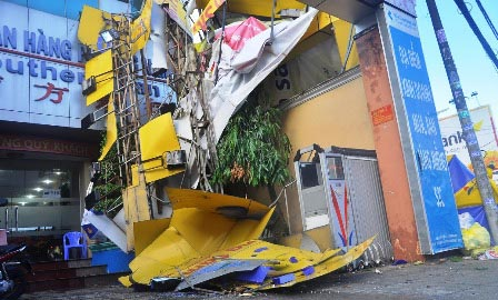 Strong whirlwind hits HCM City