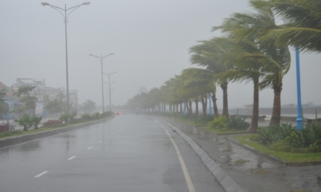 Rains, storms to hit many provinces in VN,