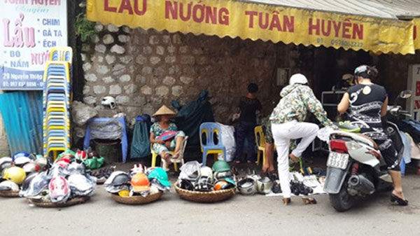 Vietnamese people still like temporary markets