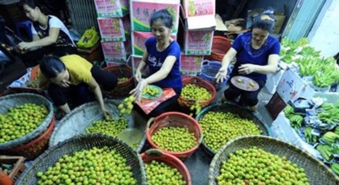 """One of world's """"most interesting markets"""" in Hanoi to close"""