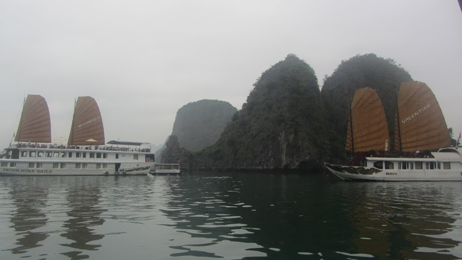 Investors asked to stop building factories near Ha Long Bay