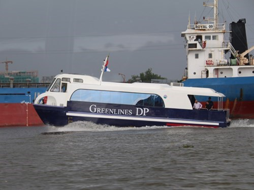 A Greenlines DP's hydrofoil boat. Photo: Dinh Muoi