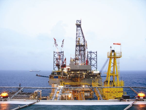 Oil giants race to invest in Vietnam