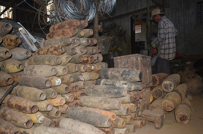 Images: Inside a war scrap trading workshop in Quang Tri