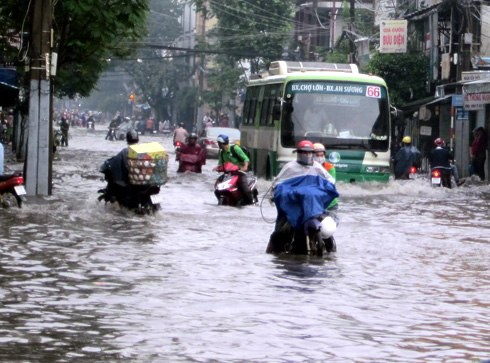 HCM City urged to adopt bold measures for flood control