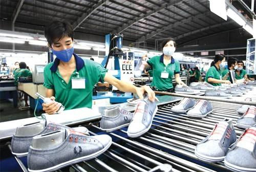 Companies find it difficult to join global footwear production chains