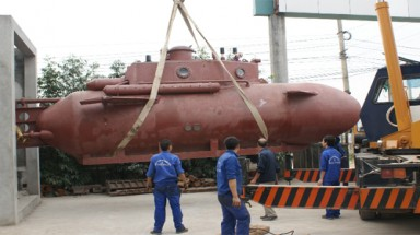 Vietnam entrepreneur to test his submarine next week
