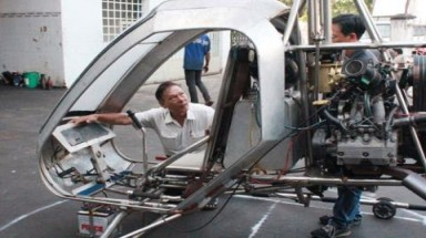 Vietnamese engineer makes second helicopter