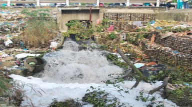 HCM City canal remains dirty after $46m cleanup