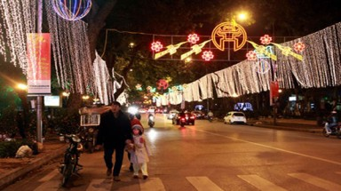 Hanoi to spend $1.07m on festive lights in 2015