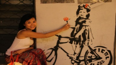 Vietnamese girl with the dream of cycling around the world