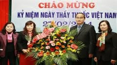 Activities marks Vietnamese Physicians' Day