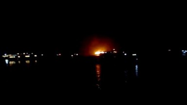 Quang Ninh: 16 foreign tourists rescued from burning ship