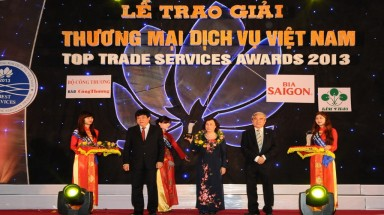 Siemens Vietnam received Vietnam Top Trade Service Awards 2013
