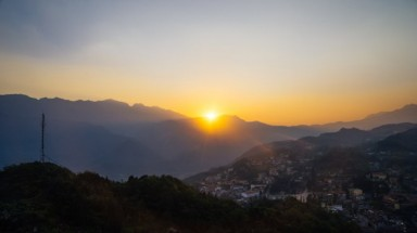 Ham Rong Mountain among world's top 8 stunning sunsets
