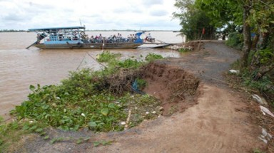 Erosion hits Mekong hard in dry season