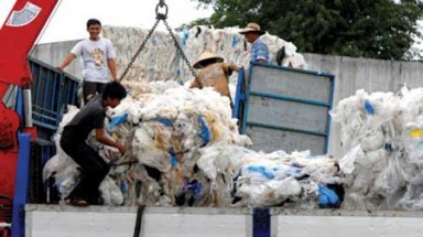 HCM City converts junk plastic bags to synthetic diesel