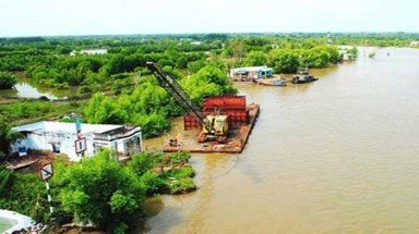 Ca Mau sinking with water table