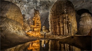 British media promote stunning views inside Son Doong cave