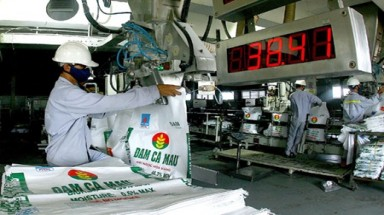 Market glut hits fertiliser industry