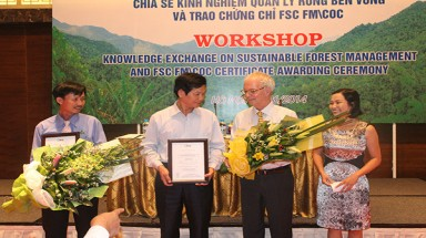 For the first time Viet Nam awarded full certificates on sustainable natural forest management