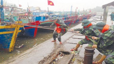 Four die as typhoon hits Vietnam