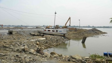 PM orders rethink on river housing project