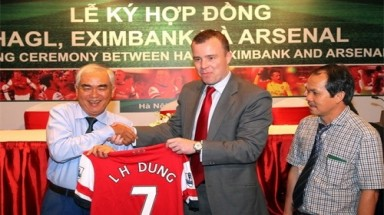 Vietnamese businesses pocket big money from Arsenal's tour