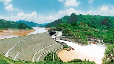 Central region stops over 10 hydropower projects