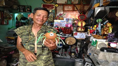 The man who restores life to discarded items