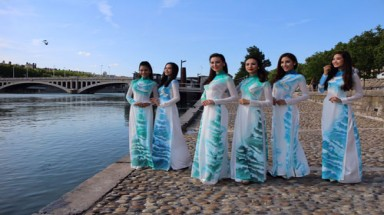 Pictures: Vietnamese ao dai in France