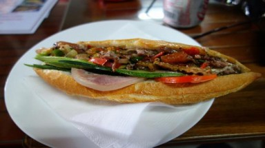 VN banh mi shops praised by int'l media