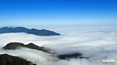 Sea of clouds viewed from Fansipan