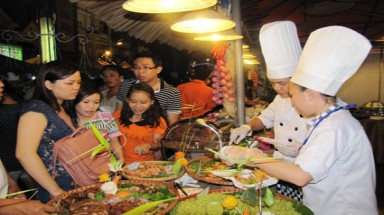 Festival satisfies visitors' appetite for coastal cuisine