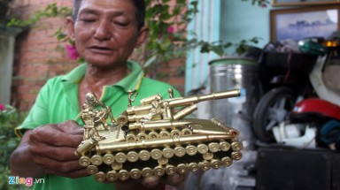 Saigon man recycles trash into treasure