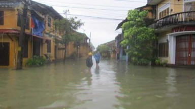 Rising sea levels threaten central region's coastline