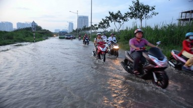 Vietnam city agency draws flak for failing to stop flooding