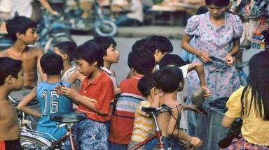 Images: Hanoian children in the 1990s