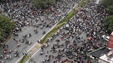 Vietnam considers banning motorbikes in big cities