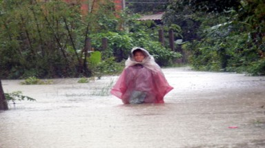 31 dead, 10 missing in central Vietnam flooding