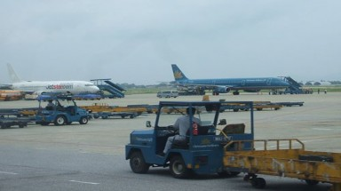 """Tan Son Nhat""""s air traffic control supervisor faulted for near collision"""