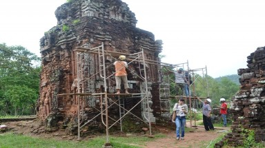 Vietnam's world heritage site collapsing