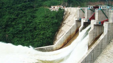 Compensation by land for displaced residents in hydropower plant projects