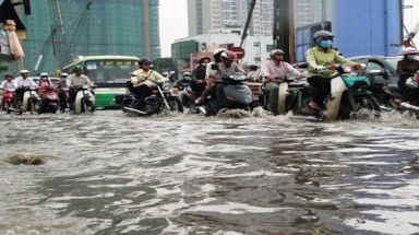 Flood-tide to reach peak in 61 years, Saigon to be submerged again