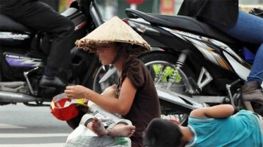 HCM City urges people not to give MONEY to beggars